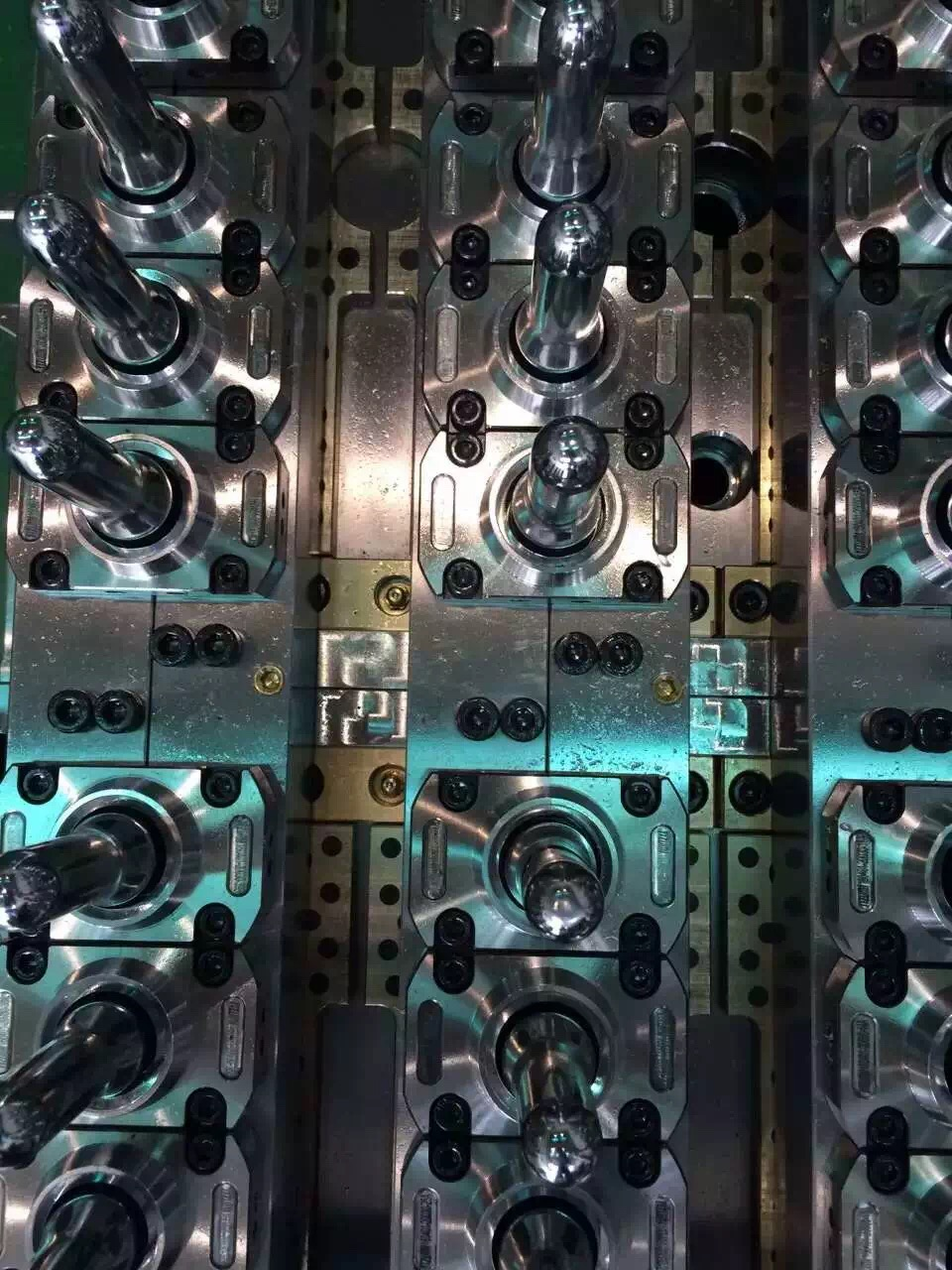 Best PET Preform Mould Manufacturer Supplier in China